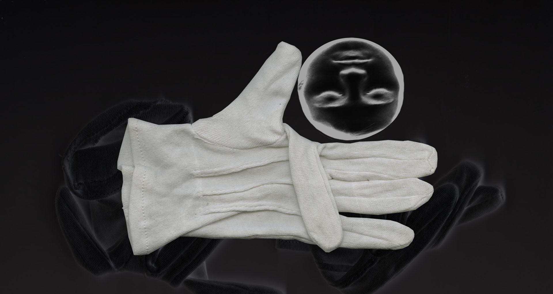 Main, gant, visage, verre